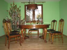 Stół na pazurach